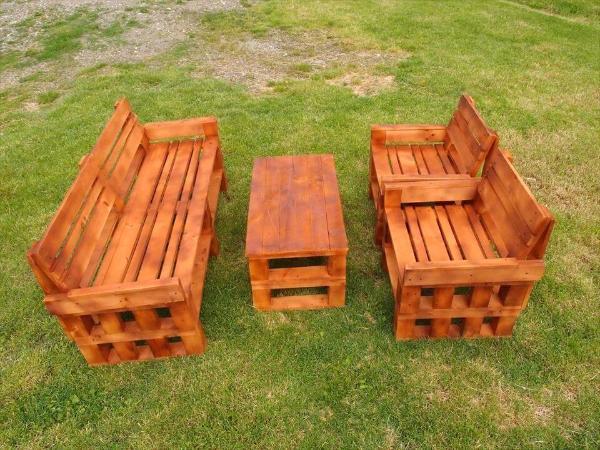 reclaimed wooden pallet garden sitting set