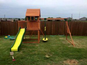 Wonderful Pallet Playhouse Your Kids will Love