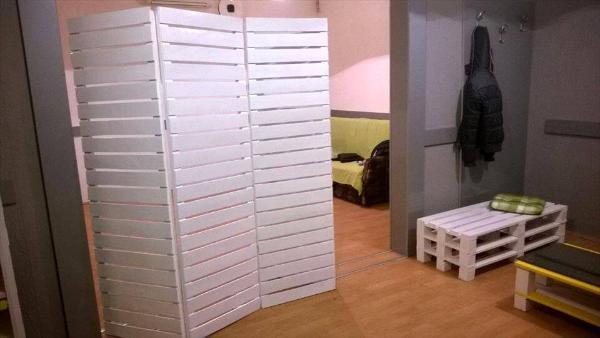 Repurposed pallet room divider