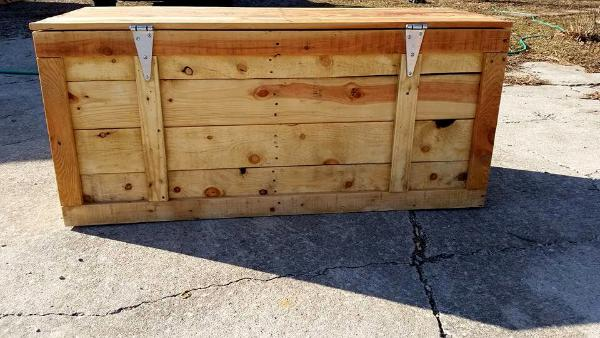 upcycled pallet wooden chest