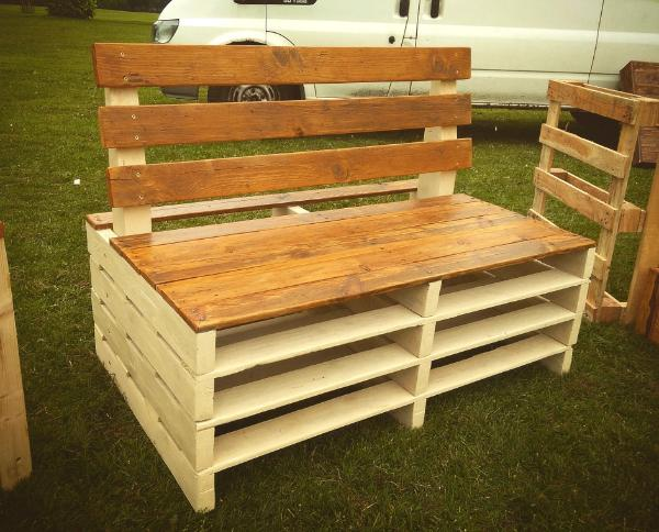beefy wooden pallet seat
