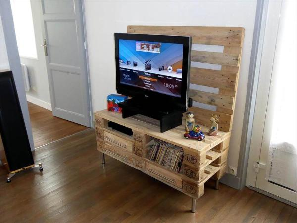 diy wooden pallet TV console with storage