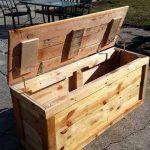diy wooden pallet chest