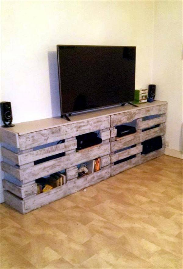 Wooden Pallet TV Console With Storage