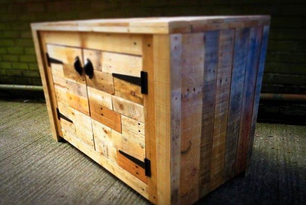 wooden pallet sideboard