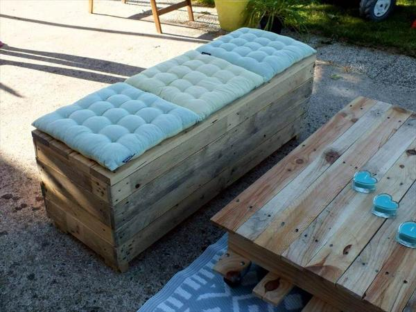 recycled pallet cushioned bench and coffee table set