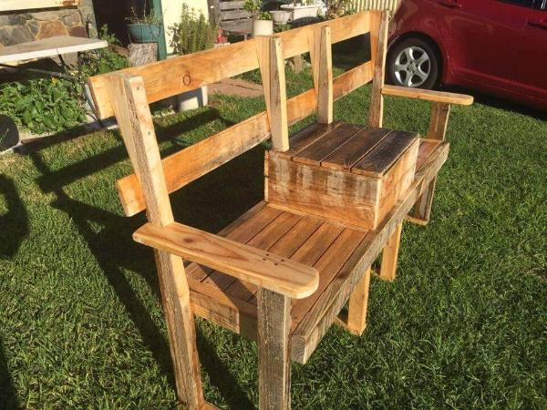 diy pallet bench with cooler