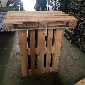 Wooden pallet bar table
