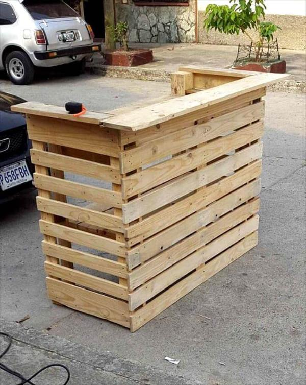 Easy projects you can do with free pallets 101 pallets for How to build a tree stand from a pallet
