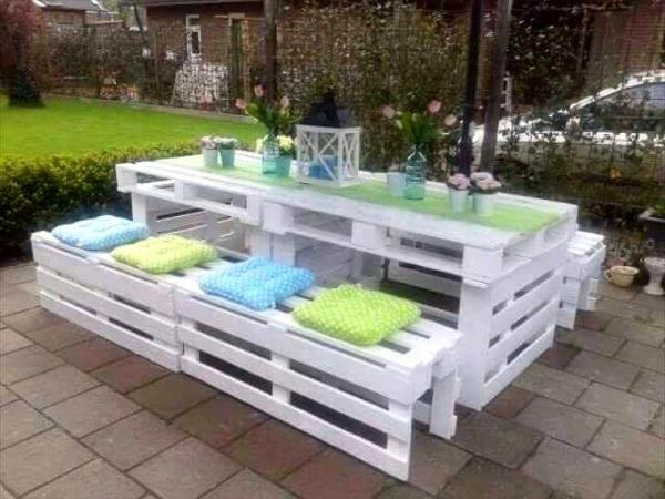 reclaimed pallet patio party set