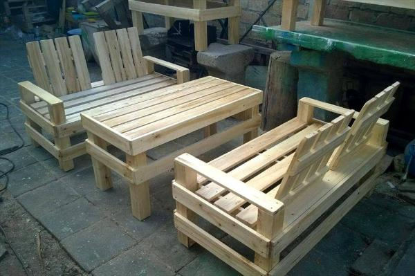 Recycled pallet patio seating set