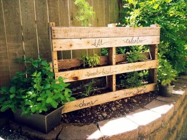 diy wooden pallet vertical herb garden
