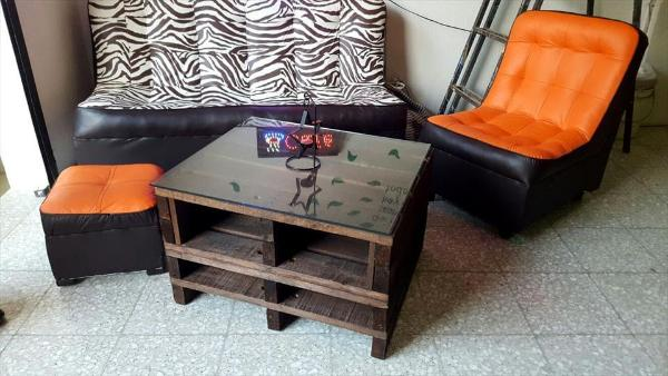 Wooden pallet coffee table