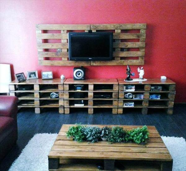 reclaimed wooden pallet entertainment center