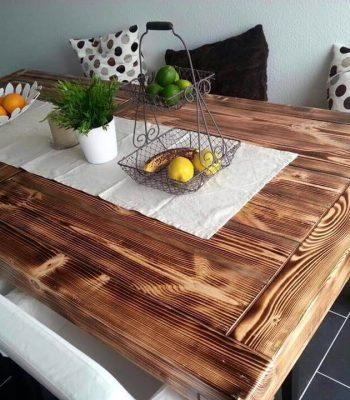 Re-purposed pallet dining set
