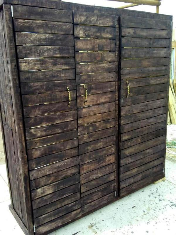 wooden pallet rustic wardrobe