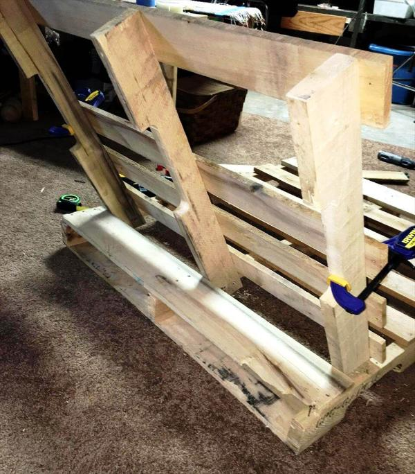 building the swing seat out of pallets