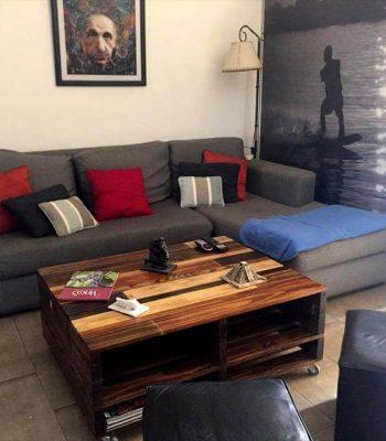 wooden pallet coffee table with lift-top