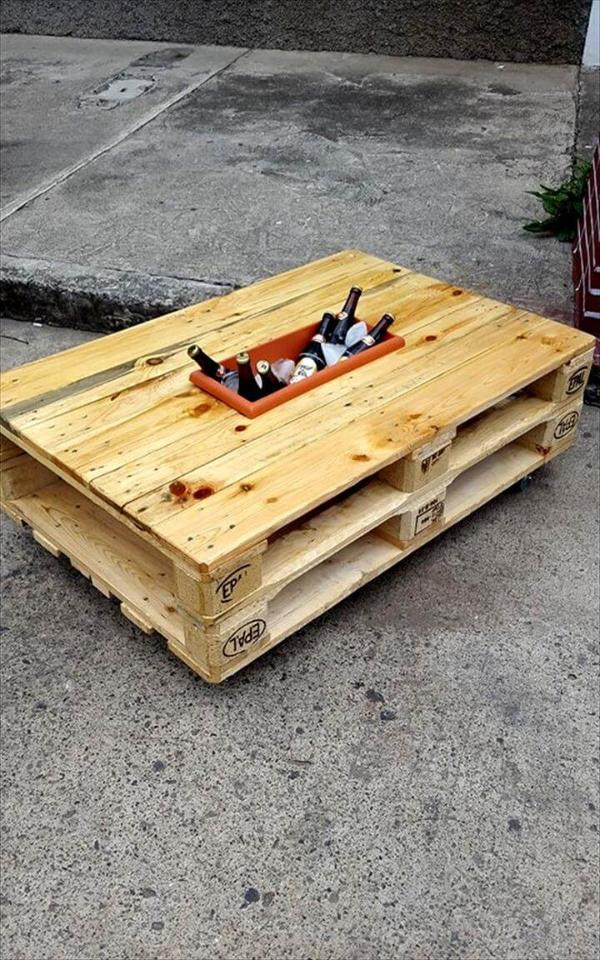 recycled pallet icebox coffee table