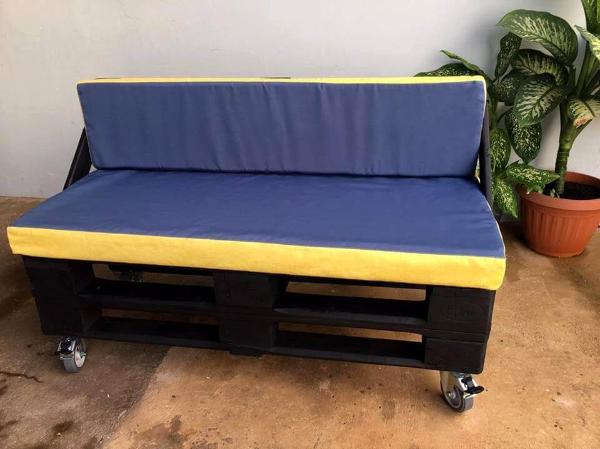 diy pallet sofa on wheels