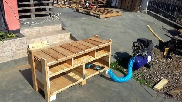 reclaimed wooden pallet media console or TV stand