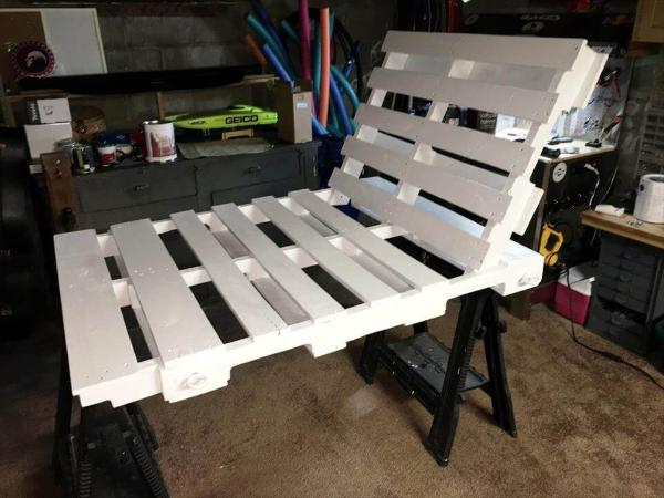 white painted pallet swing seat