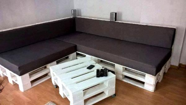 Stack White Painted Pallet L Sofa With Black Cushion