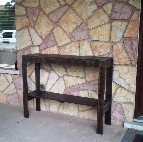 dark stained pallet hallway console