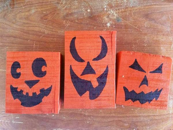 custom pallet halloween signs