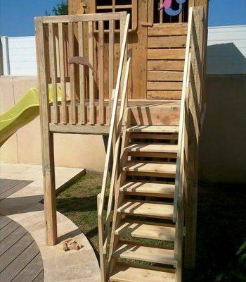 cute pallet play house for kids