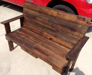 Outdoor Pallet Bench for Garden