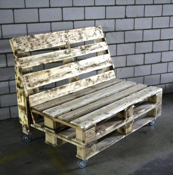 salvaged pallet bench on wheels