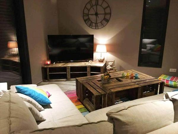 low-cost rustic pallet TV stand and coffee table