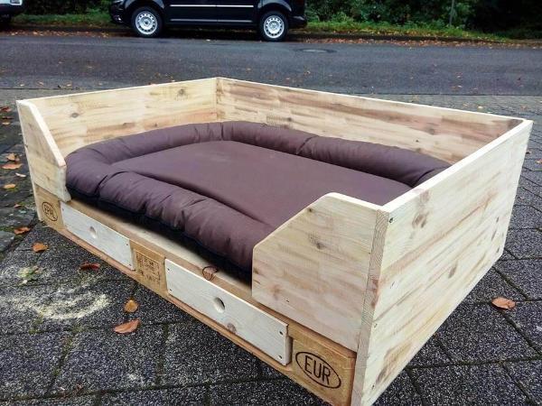 diy pallet dog bed design with drawers 101 pallets. Black Bedroom Furniture Sets. Home Design Ideas