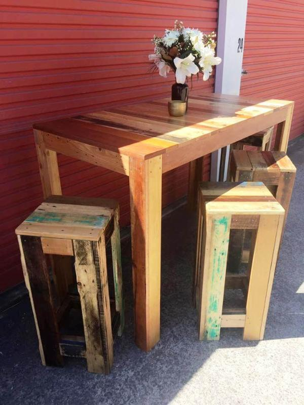 pallet table with 4 matching stools